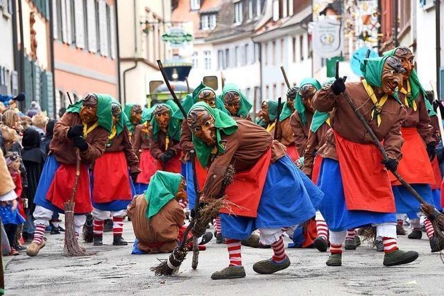 Rosenmontagsumzug in Freiburg: Ab 14 Uhr ziehen Narren durch die Stadt