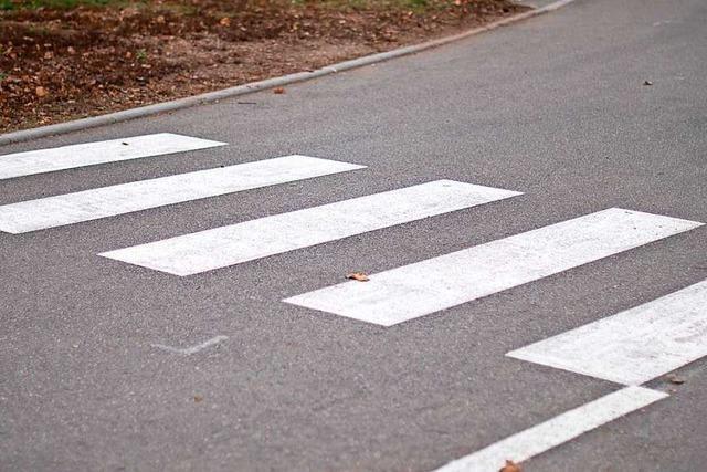 Autofahrer erschreckt Kinder an Zebrastreifen in Eschbach