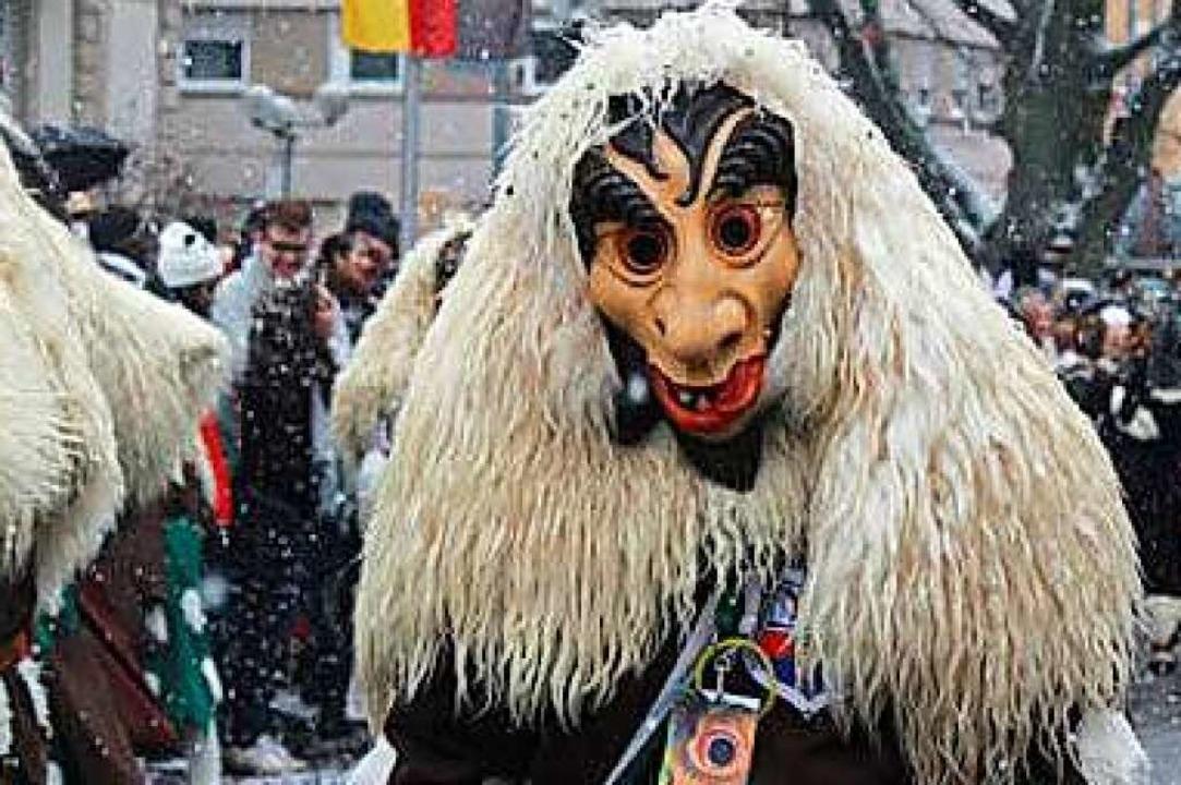 Der Dorfzottel soll wie ein Wolf ausge...n, mit feuriger Zunge und roten Augen.  | Foto: Dorfzottel Privatarchiv