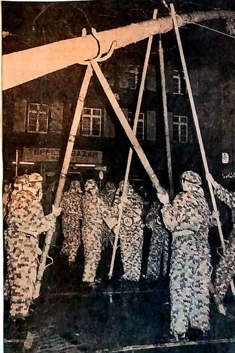 Das Zeitungsfoto vom Februar 1970 zeig...rrenbaumstellen auf dem Rathausplatz.     Foto: BZ-Archiv