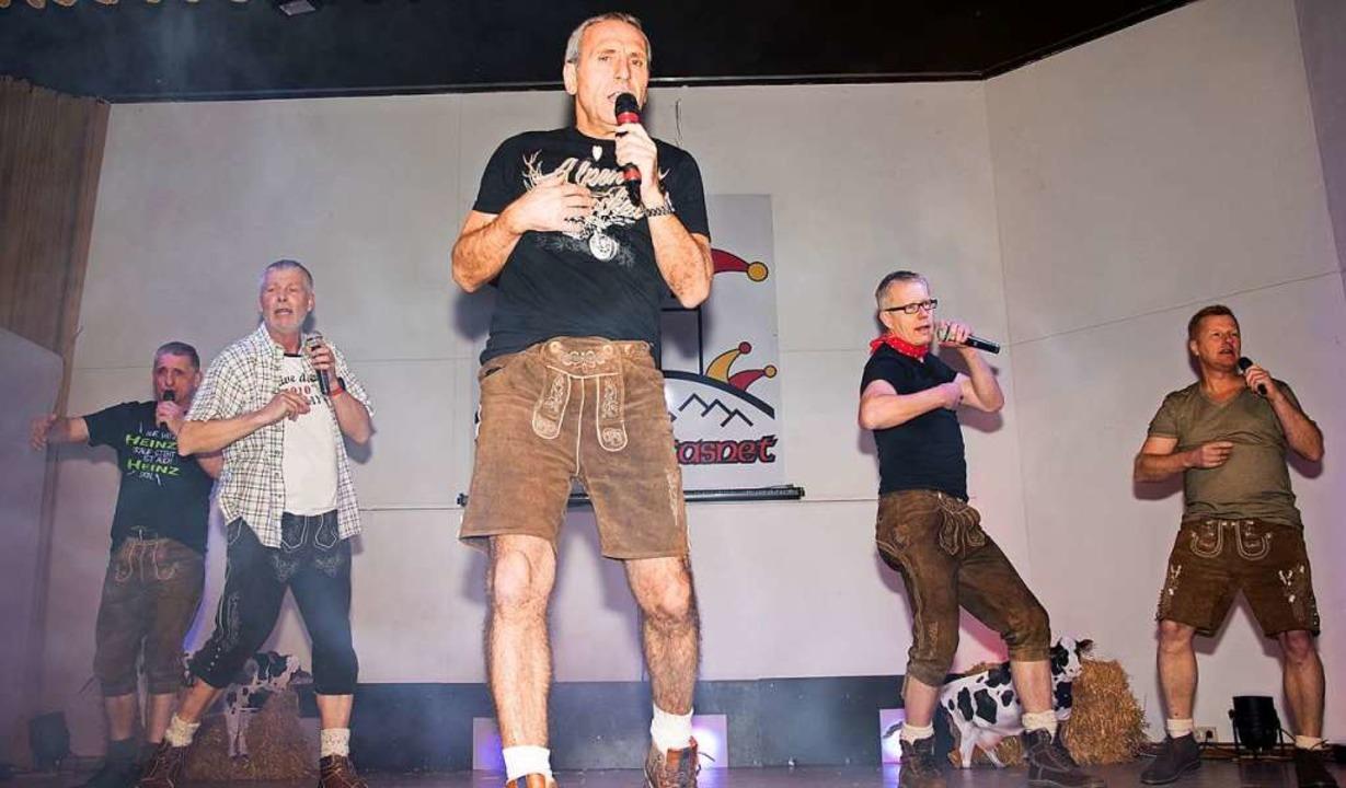 Mahr krachledern kommen die Alten Herren des SC daher    Foto: Helmut Rothermel