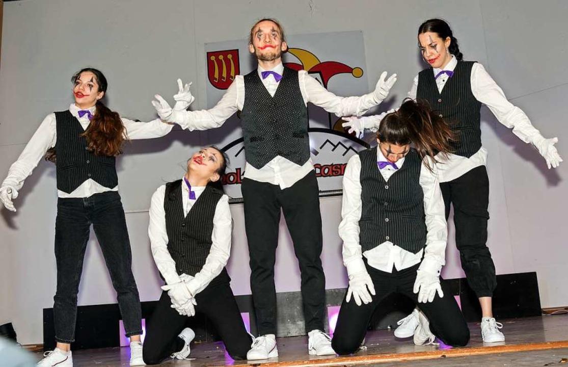 Danceemotion aus Freiburg zauberte eine perfekte Tanzperformance auf die Bühne.    Foto: Helmut Rothermel