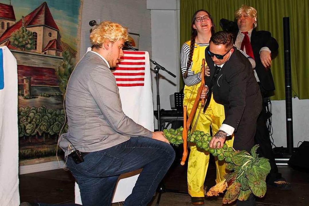 Boris Johnson lässt sich von Markus La...nd Donald Trump haben ihren Spaß dabei  | Foto: Mario Schöneberg