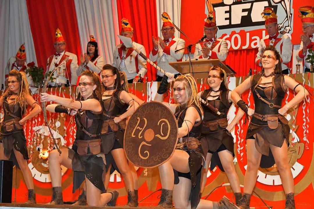 Die Happy Dance Group begeisterte gegen Ende des Bockfrühschoppens.  | Foto: Dieter Erggelet