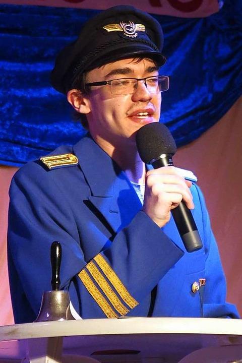 Marcel Hiller als Bott hatte die klein...Missgeschicke der Sexauer aufgespießt.    Foto: Georg Voß