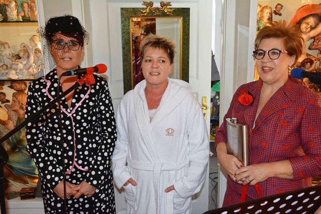 Die Drei Gumsle aus Kandern Iris Hüttl... Sütterlin und Susi Kleile (von links)    Foto: Hannes Lauber
