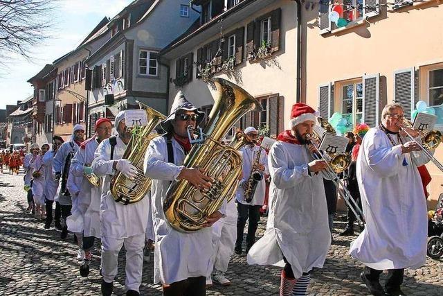 Umzüge in Burkheim, Oberbergen und Achkarren