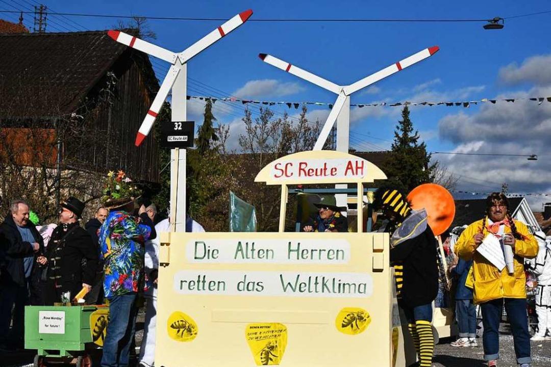 Die Alten Herren des SC Reute retten d...tklima – Windkraft ist angesagt.  | Foto: Benedikt Sommer