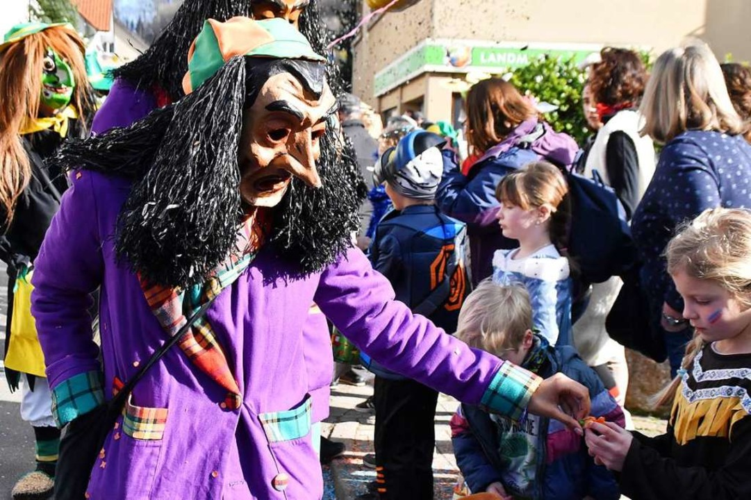 Bunt, frech und fröhlich geht's beim Kinderumzug in Inzlingen zu.    Foto: Maja Tolsdorf