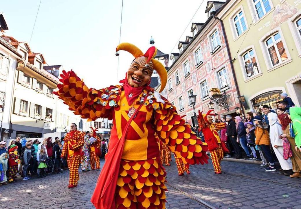 Sonnenschein und super Stimmung: Beim ...Freiburgs oberer  Altstadt gute Laune.  | Foto: Rita Eggstein