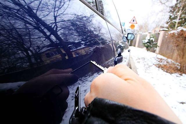Auto in Zeller Tiefgarage zerkratzt