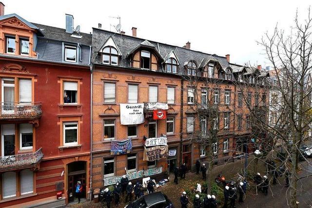Ex-Mieter der Freiburger Guntramstraße 44 widersprechen Eigentümer