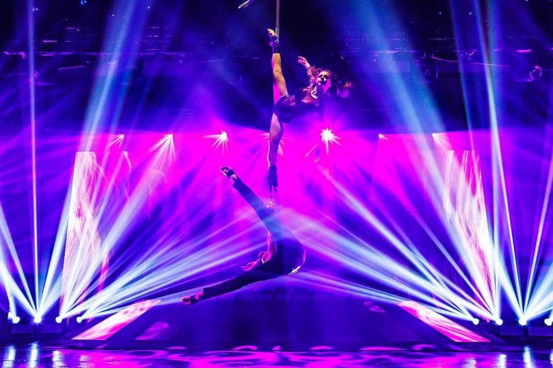 Eine Mischung aus faszinierender Akrob... bei den Night-Beat-Angels-Clubnächte.    Foto: Promo