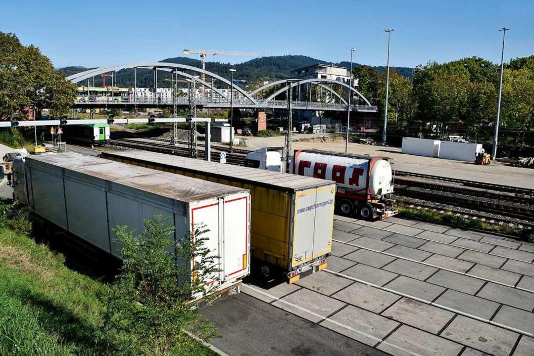 Am Freiburger Güterbahnhof kommen auch...1; wo das Coronavirus aufgetreten ist.  | Foto: Thomas Kunz