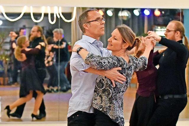 Seit 1996 tanzen Tanzfans bei der Tanzsportgemeinschaft Freiburg