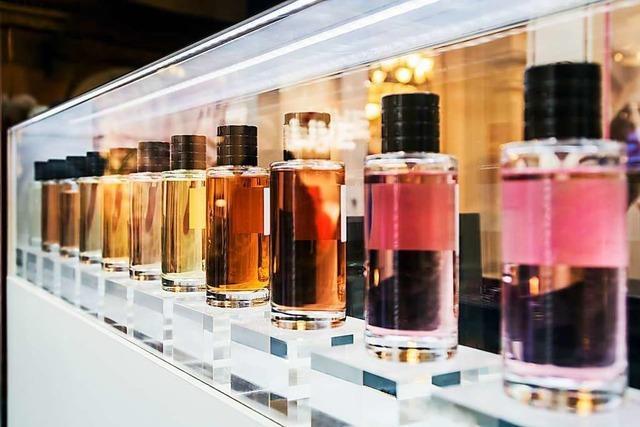 Zöllner beschlagnahmen 249 Parfums am Hörnle