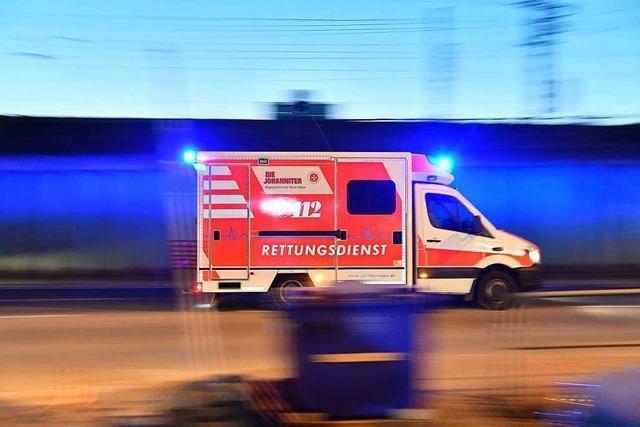 Autofahrer kommt auf B 317 von der Fahrbahn ab und verletzt sich leicht