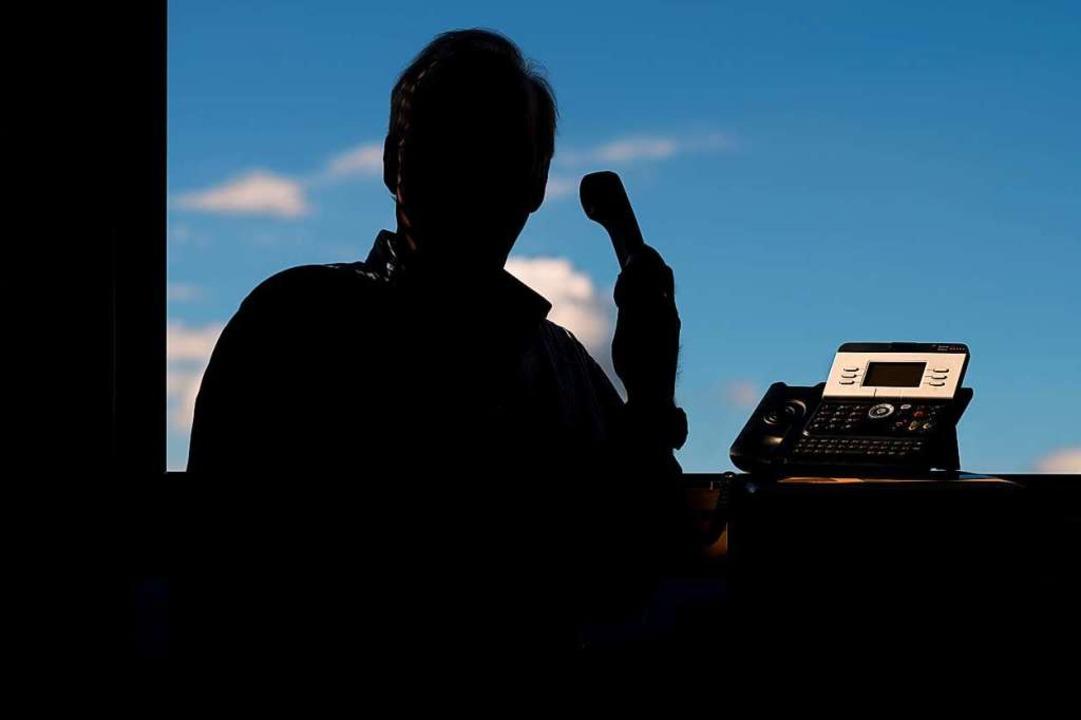 Die Polizei bittet Geschädigte, die ei...olizei über den Notruf 110 anzuzeigen.    Foto: Julian Stratenschulte