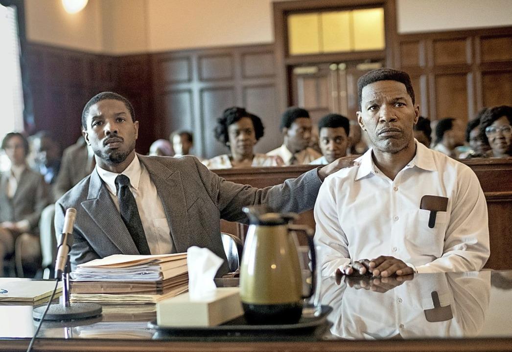 Der Anwalt (Michael B. Jordan, links) und sein Mandant (Jamie Foxx)    Foto: Jake Giles Netter (dpa)