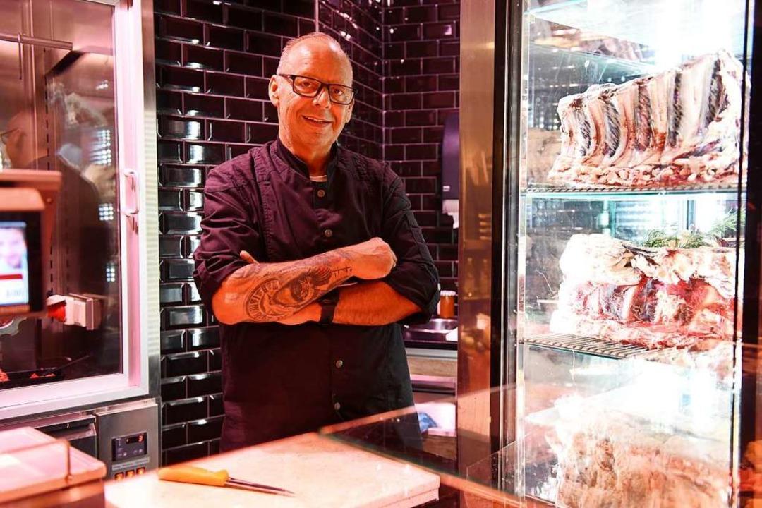 Jürgen Pum in seinem Geschäft  | Foto: Rita Eggstein