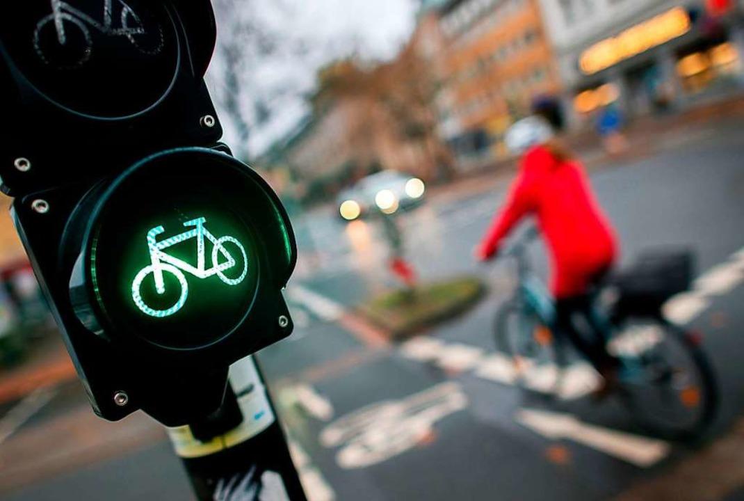 Öfters mal aufs Fahrrad steigen und de...um lassen – so geht Klimaschutz.  | Foto: Hauke-Christian Dittrich