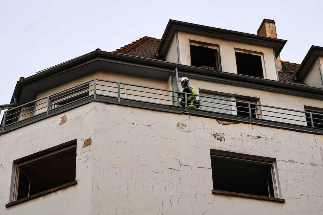 Fünf Menschen starben bei dem Feuer.  | Foto: PATRICK HERTZOG (AFP)