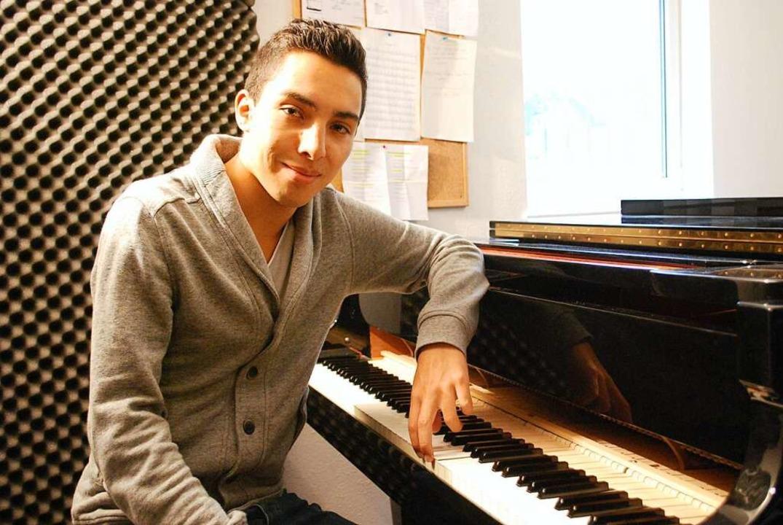 Julian Moehring 2013 am Klavier  | Foto: Thomas Loisl Mink