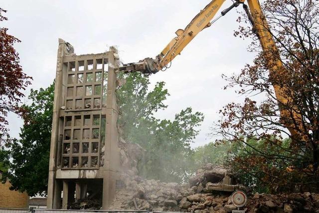 Der alte Glockenturm der Kreuzkirche ist abgerissen worden