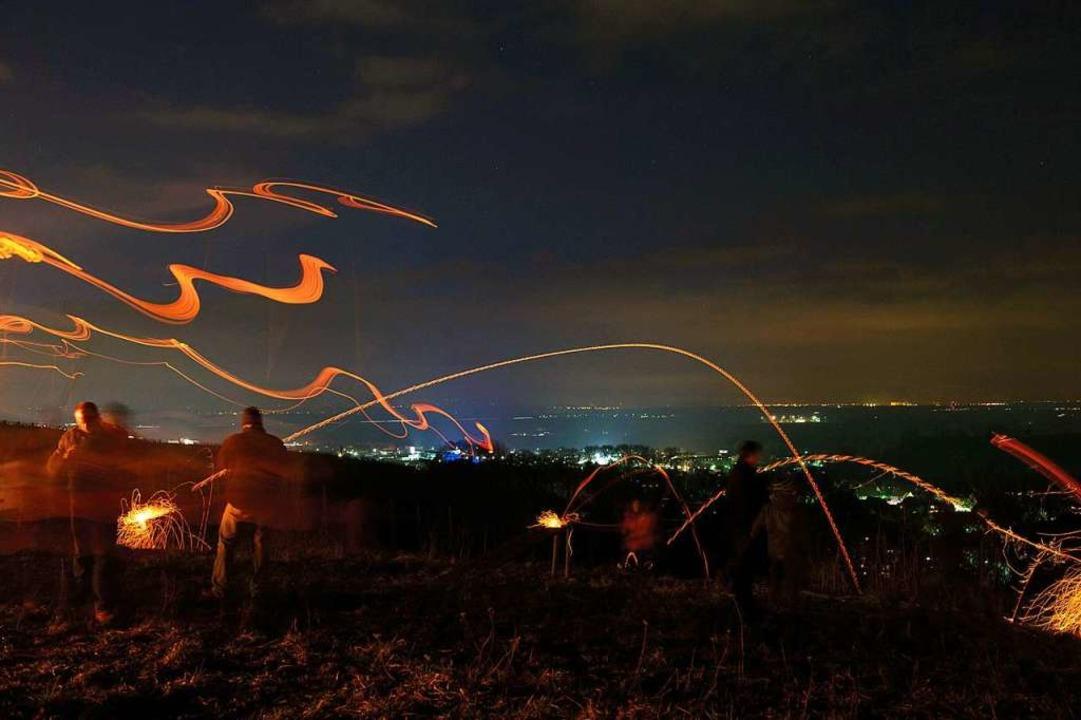 Feste rund ums Scheibenfeuer gibt es in nächster Zeit.  | Foto: Volker Münch