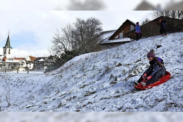 Auch wenig Schnee macht Kinder glücklich