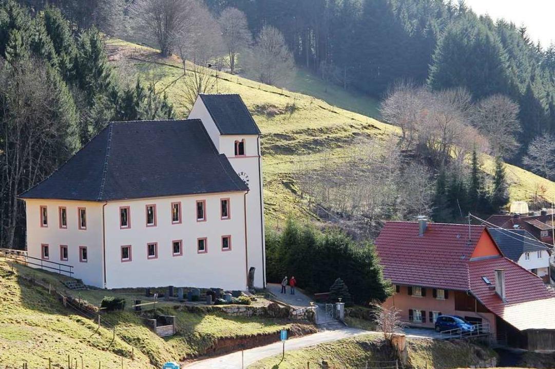 Die Michaelskirche  in Kaltenbach erhä...ung der Uhren und Glocken erleichtert.    Foto: Rolf-Dieter Kanmacher