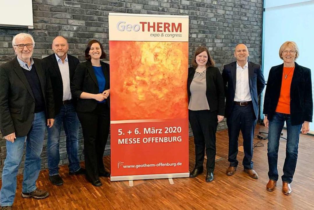 Startklar für die Geotherm: Erwin Knap...GmbH) und Ingrid Stober (Uni Freiburg)  | Foto: Helmut Seller