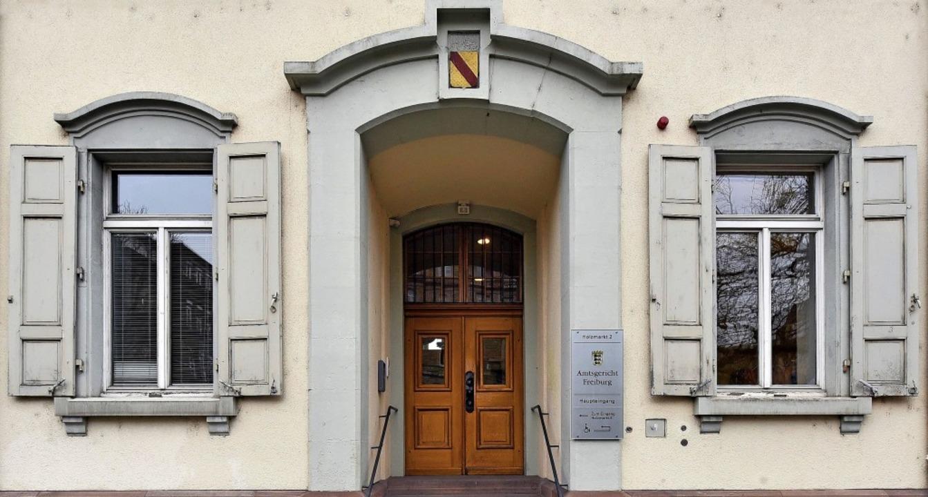 Vor dem Amtsgericht in Freiburg muss s...mann wegen Brandstiftung verantworten.  | Foto: Thomas Kunz
