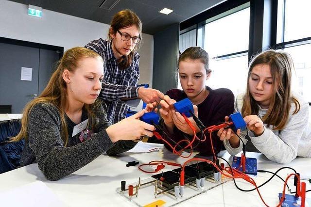 20 Schüler aus Baden-Württemberg forschen in Freiburg