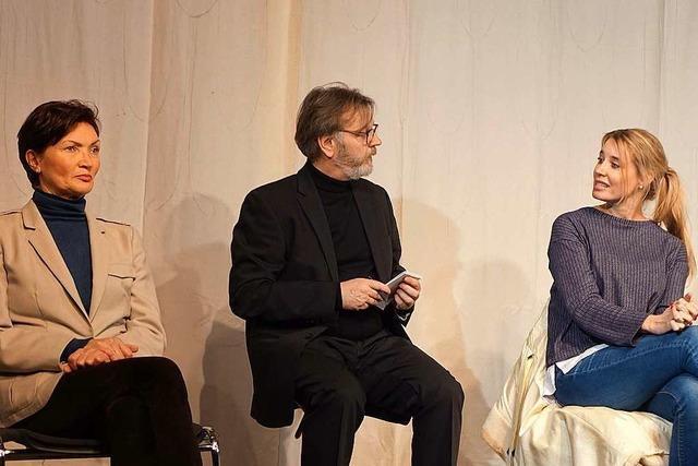 Drei Diktatoren-Gattinnen plaudern aus dem Nähkästchen beim neuen Stück der Bad Säckinger Festspielgemeinde