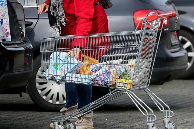 Am Abend gibt es leere Regale in Freiburger Supermärkten