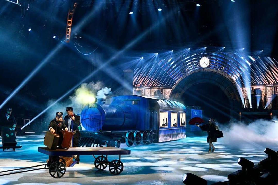 Einer der technischen Höhepunkte: ein Zug, der auf die Eisbühne fährt   | Foto: Holiday on Ice