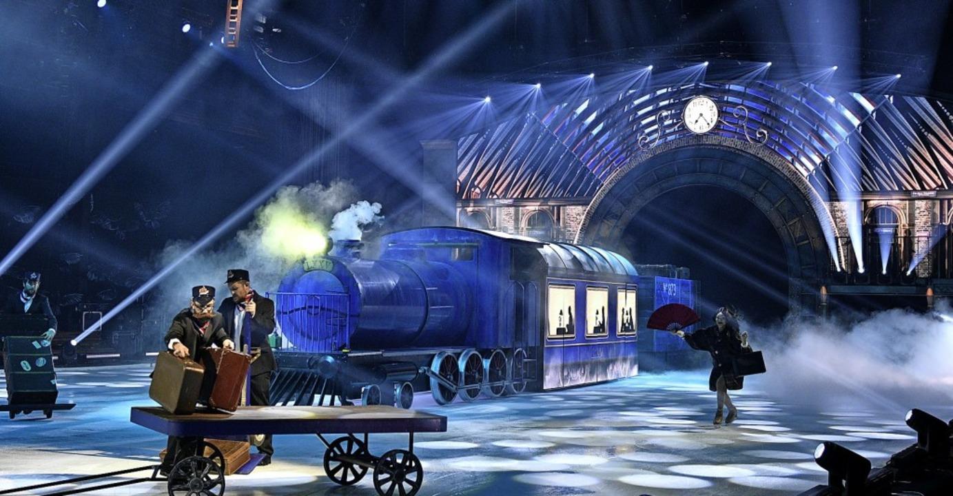 Einer der technischen Höhepunkte bei H...e: ein Zug, der auf die Eisbühne fährt    Foto: Holiday on Ice