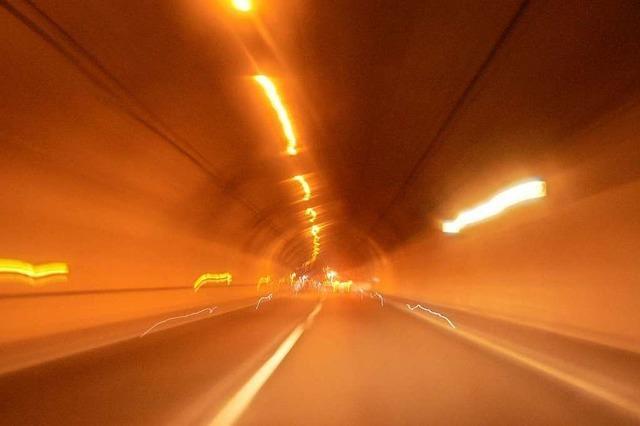 Nollinger Bergtunnel wegen qualmendem Motor gesperrt