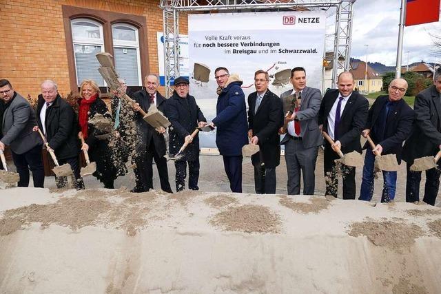 Bauarbeiten zur Elektrifizierung der Breisgau-S-Bahn zwischen Denzlingen und Elzach starten