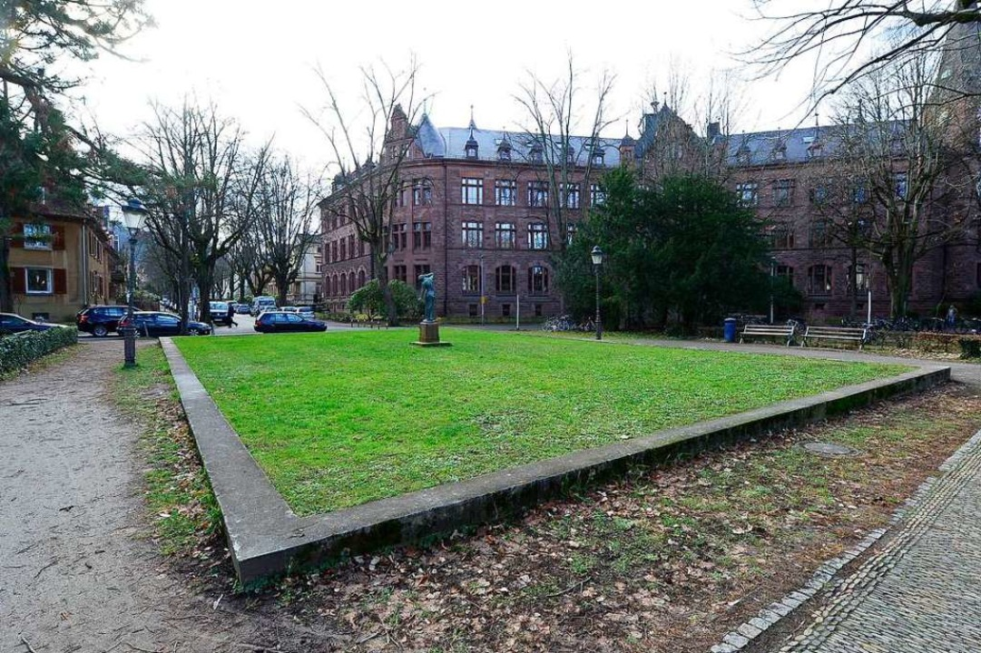 Der Ludwig-Aschoffplatz in Freiburg-He...n und Heinrich-Rosenberg-Platz heißen.  | Foto: Ingo Schneider