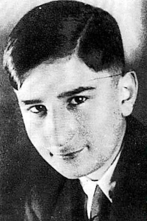 Heinrich Rosenberg war Schüler des Fri...Platz liegt. Er starb im KZ Auschwitz.  | Foto: Archiv FG