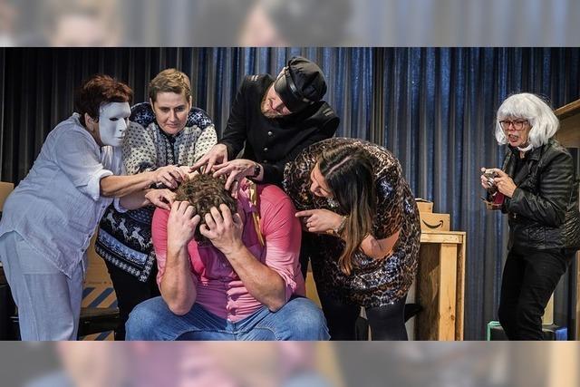 Gundelfinger Laientheatergruppe mit Komödie von Tankred Dorst
