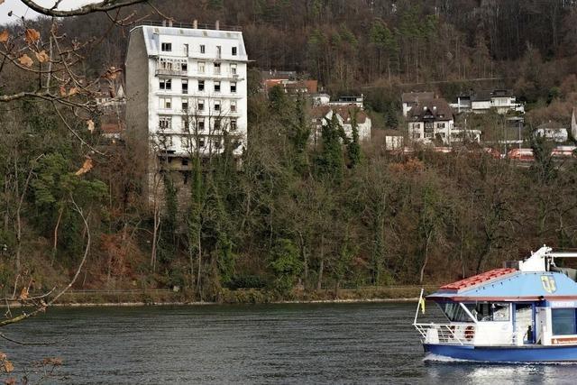 Rheinschloss im Dornröschenschlaf