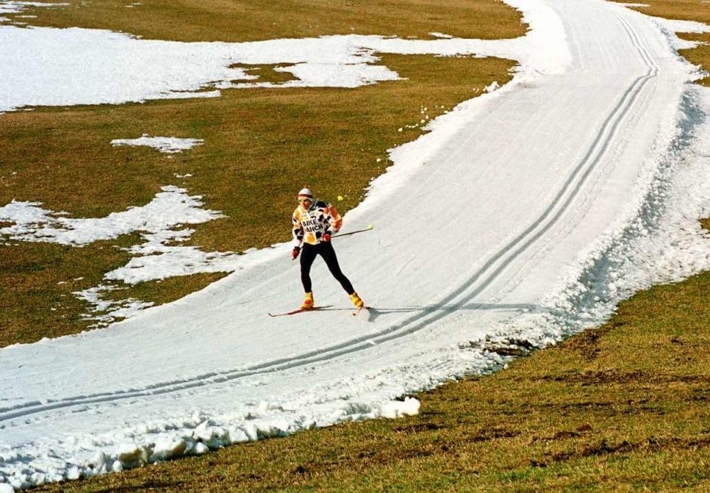Dieses Mal reicht das weiße Band nicht...le kann nicht in Schonach stattfinden.  | Foto: Rolf_Haid