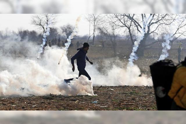 Polizei setzt Tränengas ein