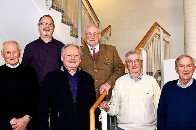 Turnverein Freiburg-Tiengen ehrt 17 Mitglieder für 70-jährige Treue