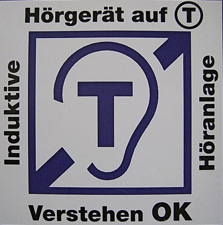 Dieses Symbol zeigt an, dass eine induktive Höranlage vorhanden ist.  | Foto: Privat