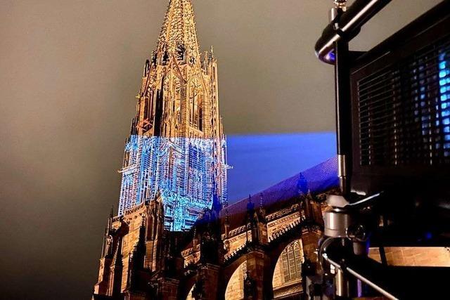 Freiburgs Stadtgeschichte bringt das Münster zum Leuchten