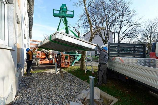 Bundesanstalt lässt in Freiburg-Haslach 72 neue Balkone abreißen